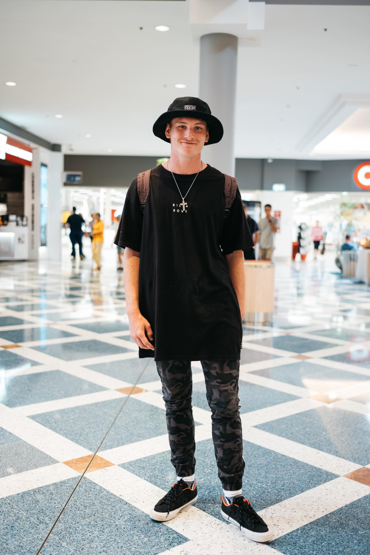 スマホがないと生きていけない。オーストラリアで出会った18歳男子Zackさん|things.014